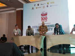 Penandatanganan Nota Kesepahaman Bupati Solok menuju Program 100 Smart City