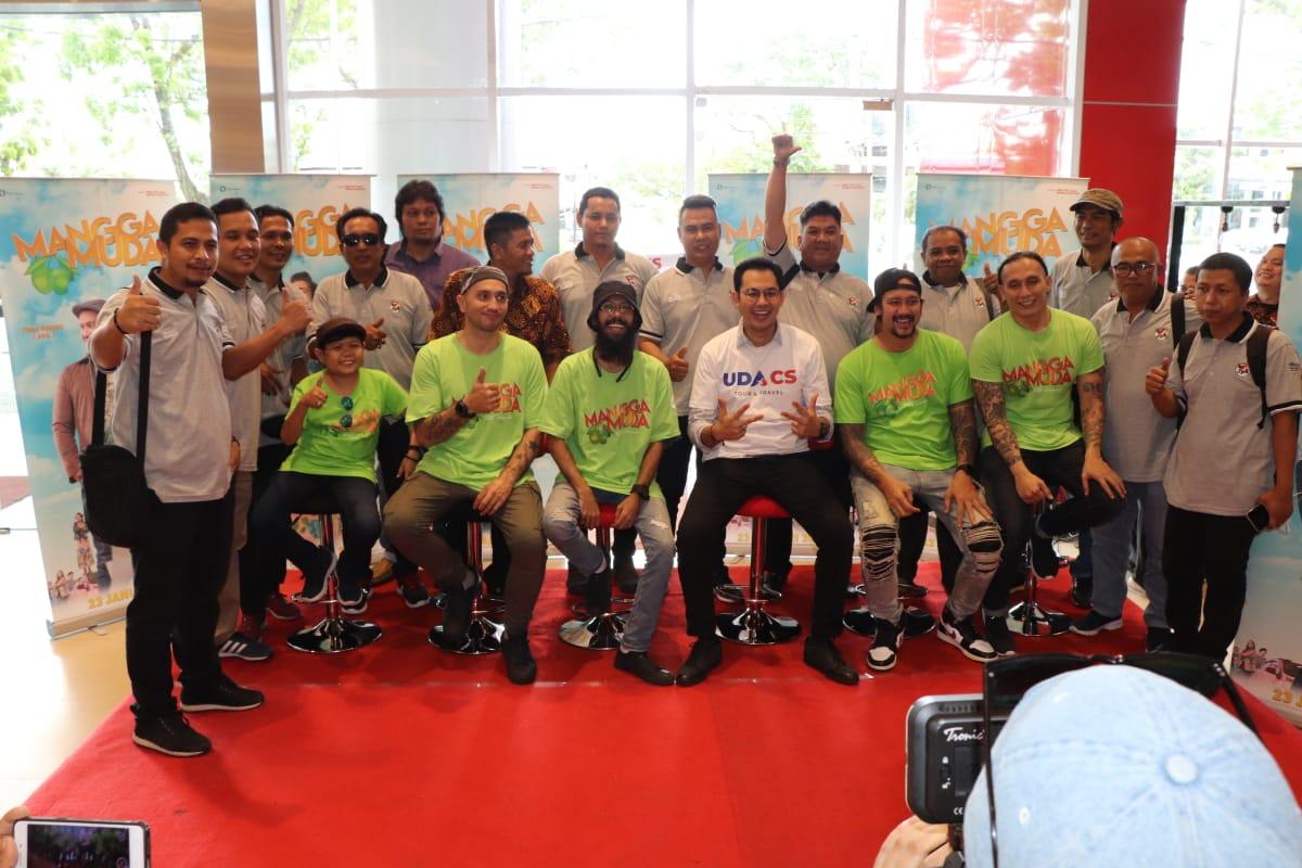 Photo of Film Mangga Muda Tayang Perdana, Artis Jumpa Fans